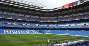 El Real Madrid no tiene jardinero en el Bernabéu